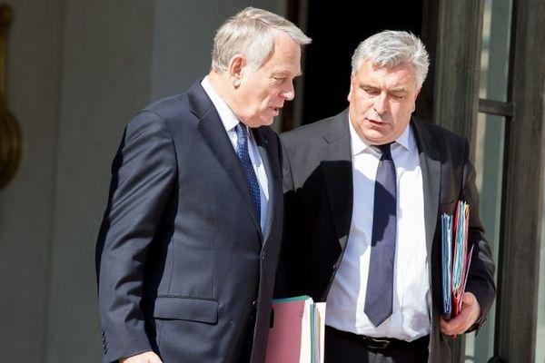 Le premier ministre Jean-Marc Ayrault accompagné par le ministre des transports (illustration)