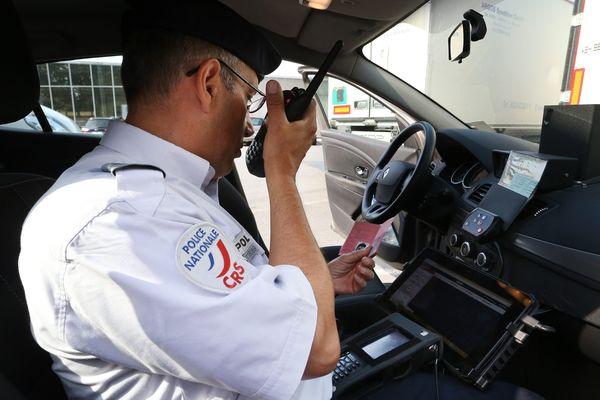 CRS en mission sécurité routière.