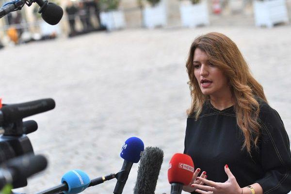 Marlène Schiappa devant Matignon le 25 novembre 2019.