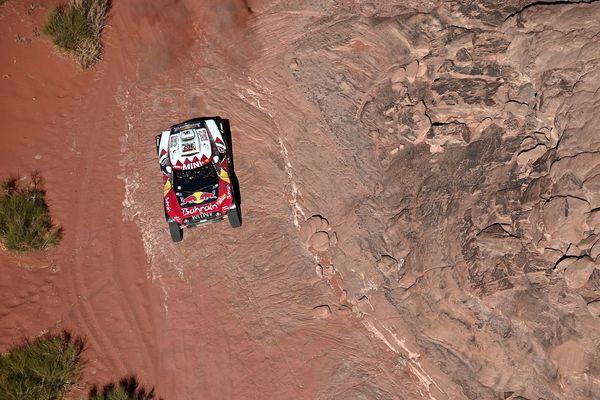 Le Vésulien Stéphane Peterhansel a terminé à la 7e place de la troisième étape du Dakar 2020 et est déjà bien distancé au classement général.