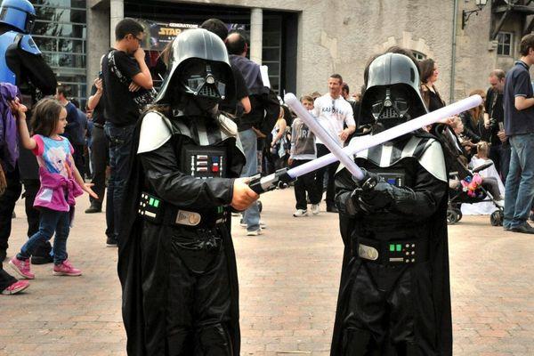 A Cusset dans l'Allier, le temps d'un week-end, les fans de Star Wars se retrouvent. Cette année, l'édition s'est tenue virtuellement sur Internet en raison de l'épidémie de coronavirus COVID 19.