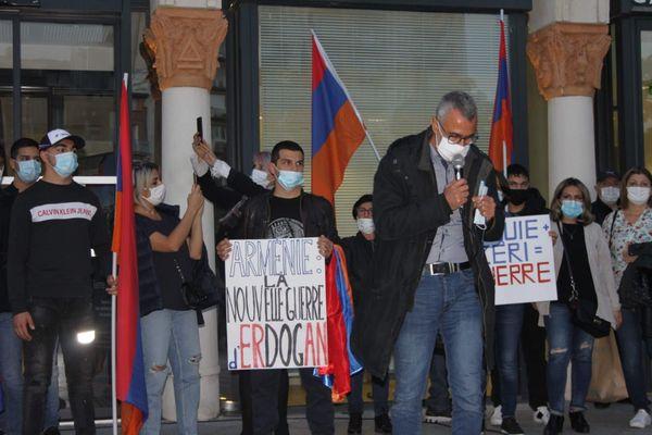 Des Arméniens manifestent à Toulouse contre les affrontements menés par l'Azerbaïdjan dans le Karabakh