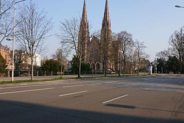 Non loin du cabinet du gynécologue de Ségolène, les rues de Strasbourg sont vides, vendredi 20 mars 2020