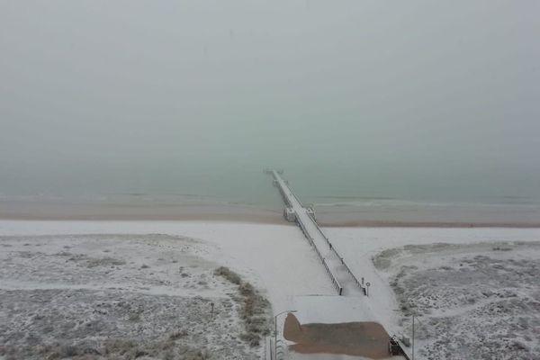 De la neige ce dimanche matin 3 janvier 2021 à Saint-Jean-de-Monts en Vendée