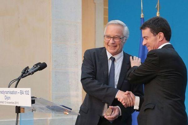 François Rebsamen, maire de Dijon et président du Grand Dijon, a accueilli le Premier ministre Manuel Valls vendredi 13 novembre 2015.