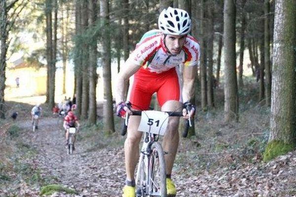 François Jury, cycliste de 34 ans est mort ce matin au CHU de Limoges