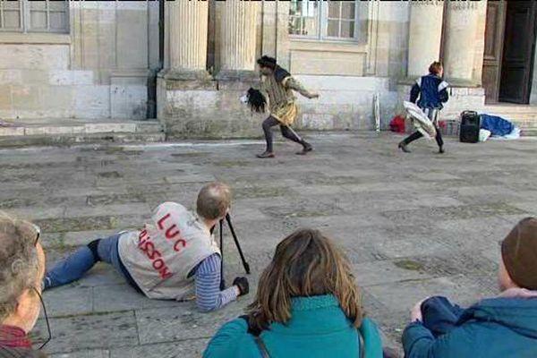 """""""1515 François Born to be a king"""" une pièce de théâtre burlesque que vous pouvez voir jusqu'au 23 avril pendant la visite au château de Blois (Loir-et-Cher)"""
