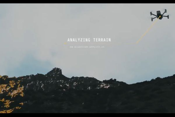 L'application permet de visualiser et analyser les images de 4 drones en temps réel et en simultané