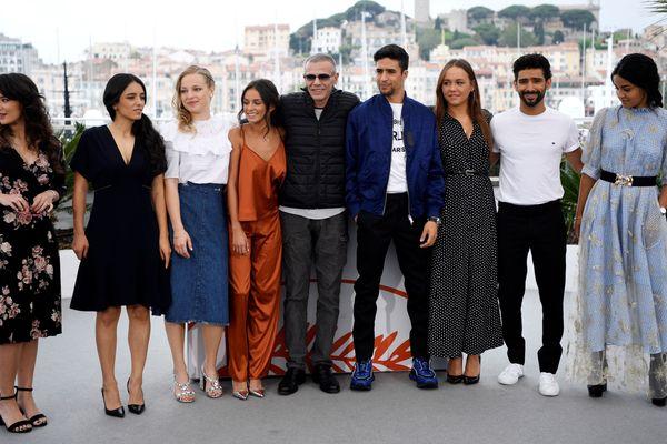 """L'équipe du film """"Mektoub, my love: intermezzo""""  au photocall du Festival de Cannes avec une absence remarquée : Ophélie Bau"""