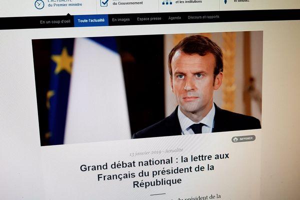 Ce courrier adressé aux Français est commenté par les élus sur les réseaux sociaux.