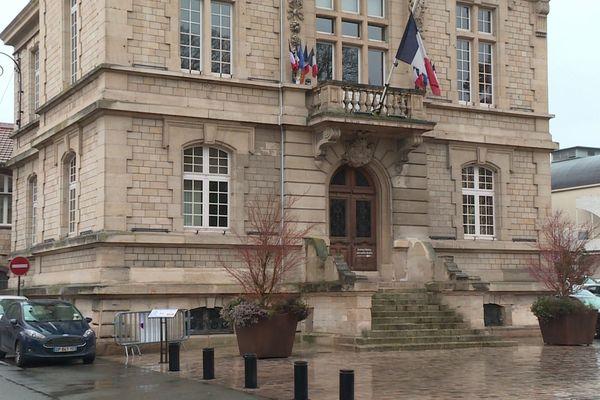 Les habitants de Conflans-Sainte-Honorine vont-ils revoter pour leur maire (LR) sortant, Laurent Brosse ?
