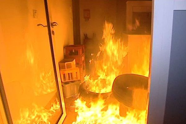 Maureilhan (Hérault) - le commando du CRAV a incendié les bureaux de Vinadeis - 19 juillet 2016.