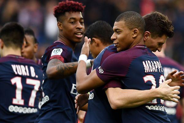 Kylian Mbappe après avoir marqué un but contre Metz, samedi 10 mars.