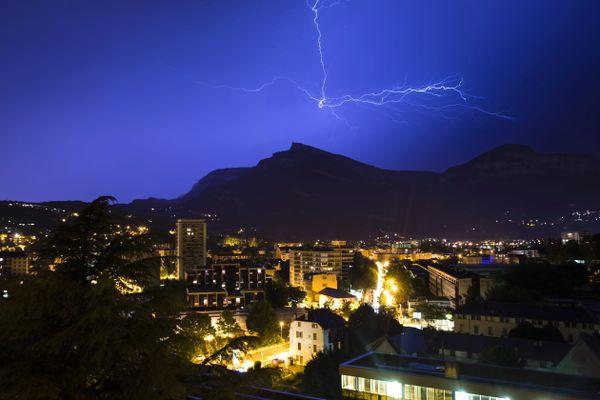 Chambéry sous un orage, le 30 juin 2019.