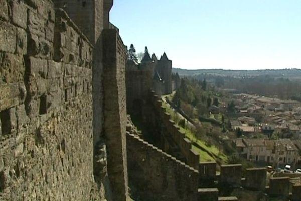 Carcassonne : une pétition est ouverte pour sauver la Cité - février 2013.