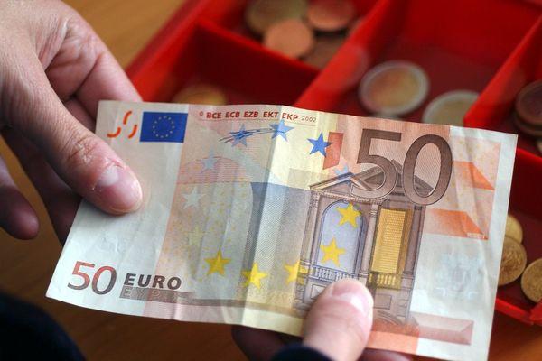 Gare Aux Faux Billets De 20 Et 50 Euros En Auvergne Rhône Alpes Les Conseils Pour Repérer Les Fausses Coupures