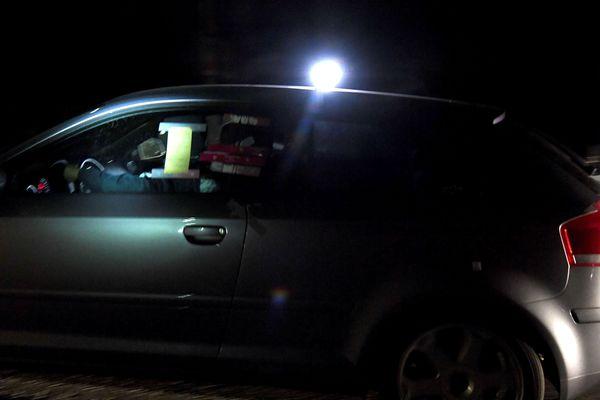 La voiture du suspect sur la route de Domessin durant la reconstitution cette nuit