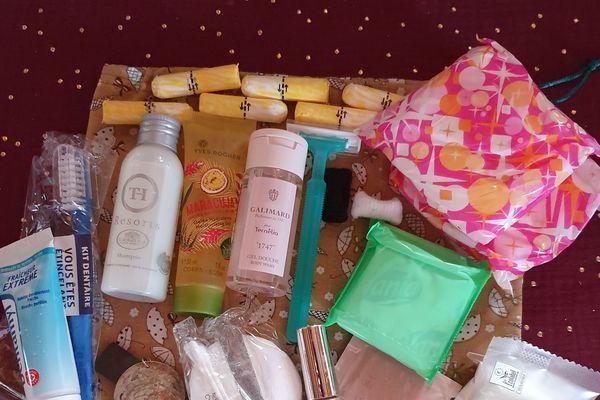Version féminine de la trousse des premiers besoins. 871 kits ont été distribués depuis le mois de mai en Franche-Comté