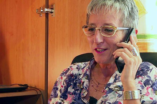 Zaza a eu l'idée de monter sa propre écoute téléphonique pour venir en aide à ceux qui se sentent isolés, faute de savoir à qui parler