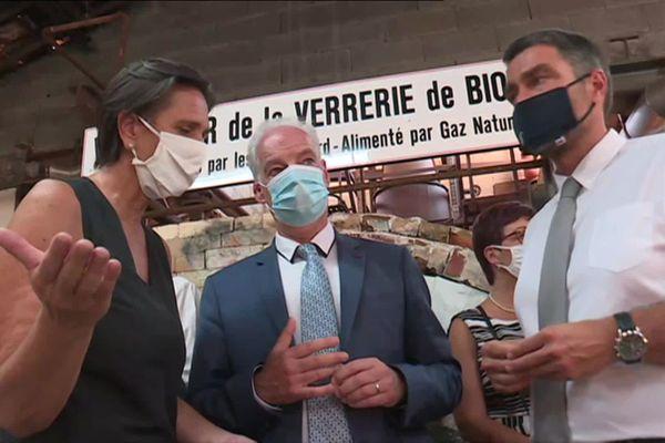 Alain Griset est venu apporter son soutien aux entreprises non touristiques qui vivent pourtant de la fréquentation touristique, comme la verrerie de Biot