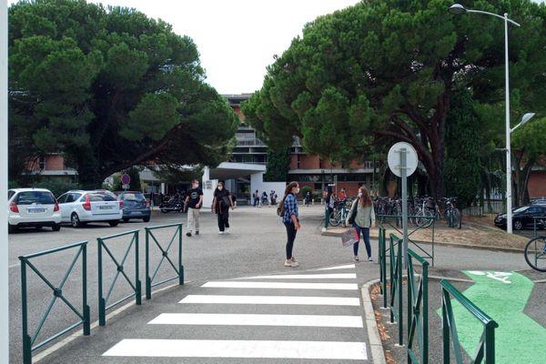 Mise en place de l'enseignement distanciel à l'université Toulouse Capitole