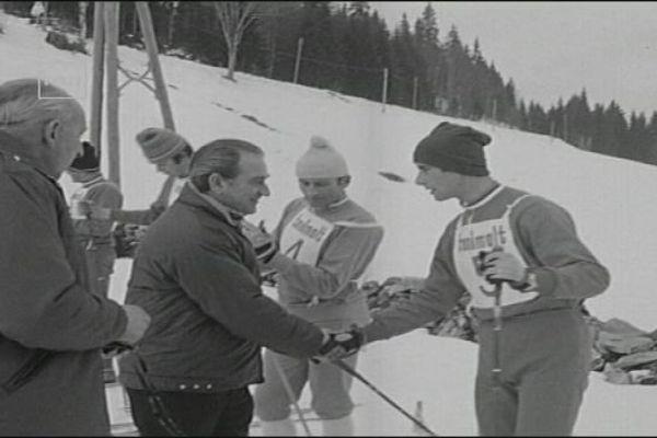 Joseph Comiti, ministre des sports en 1970 est venu prendre l'air du Haut-Jura.
