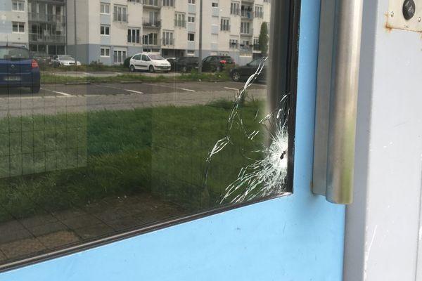 Impact de balle après des tirs sur un immeuble à Kerourien à Brest