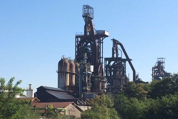 Les hauts-fourneaux d'Hayange disparaîtront bientôt définitivement du paysage de la vallée de la Fensch (Moselle).
