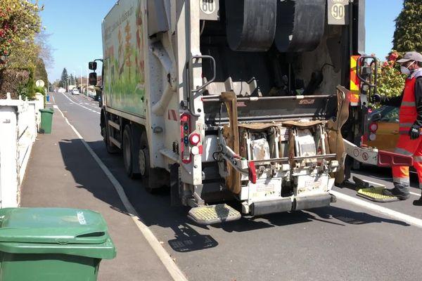 Coronavirus : collecte des résidus ménagers mais pas des déchets recyclables à Limoges et agglomération