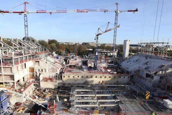Le court central Philippe-Chatrier de Roland-Garros doit être livré en mars 2019.