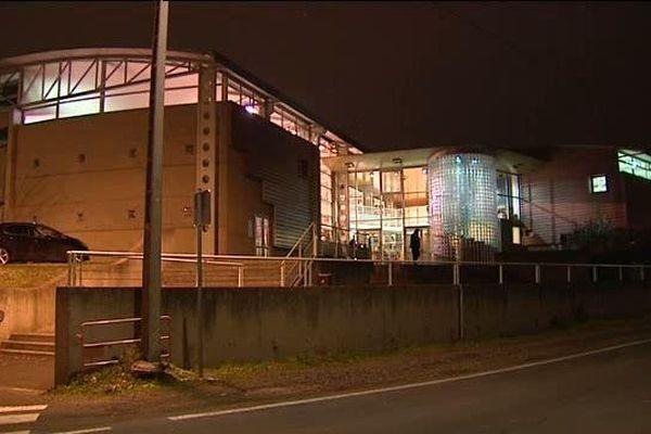 Pour des dizaines de personnes, le gymnase ouvert à Aubière (63) est le seul refuge pour lutter contre le froid.