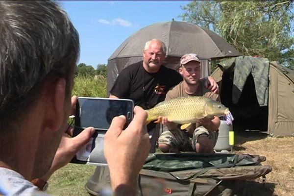Certains pêcheurs viennent de l'étranger pour pêcher (et relâcher) les poissons limousins.