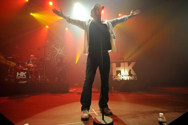 HK et son groupe parcourt les scènes depuis une dizaine d'années.