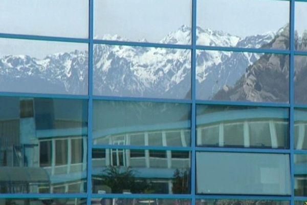 Dans les vitres de ST-Ericsson à Grenoble