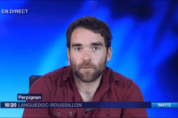 Cédric, rescapé catalan du séisme népalais, témoigne en direct dans le JT de F3 Languedoc-Roussillon