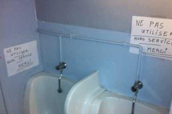 Toilettes de Paris 8