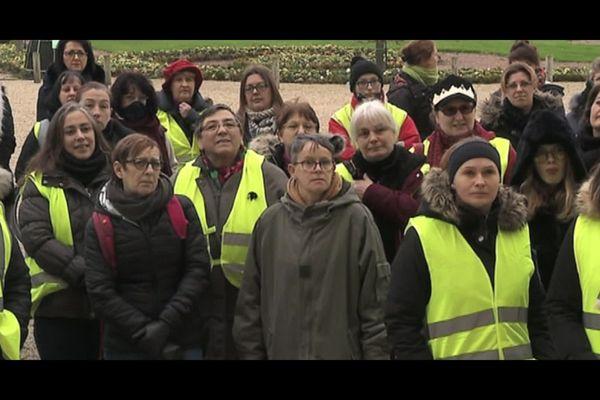 """Le documentaire """"Les femmes du rond-point"""" revient sur la place des femmes dans le mouvement des gilets jaunes"""
