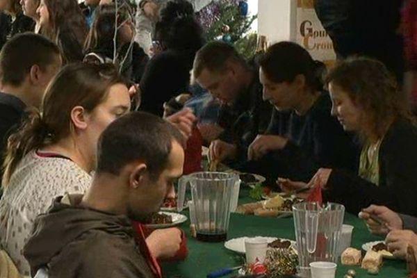 L'armée du Salut a organisé comme chaque année son repas de Noël solidaire ce lundi 24 décembre à 12h à Reims.