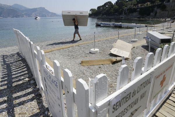 Ce jeudi 21 juin la plage est démantelée.