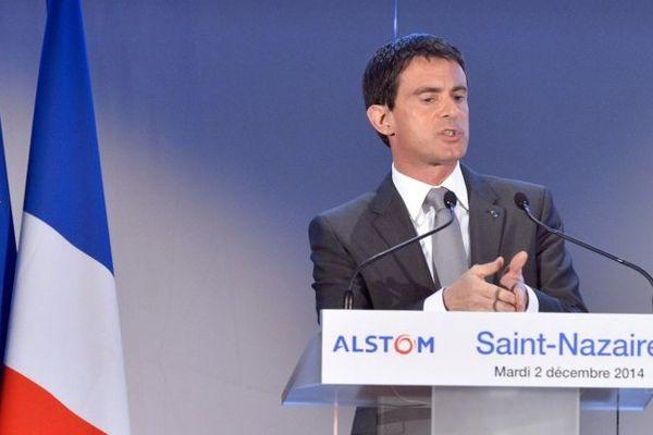 Éolien offshore, le Premier ministre lors de l'inauguration de l'usine Alstom à Saint-Nazaire, Manuel Valls y annonce la création de 300 emplois plus 250 au siège de GE Alstom à Nantes