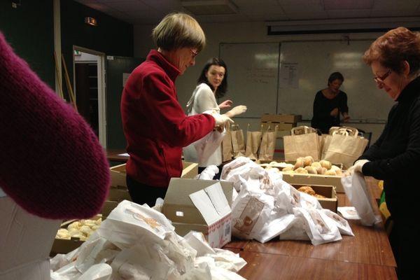 Il y avait beaucoup d'activité ce matin à Reims pour préparer les 2000 petits-déjeuners à livrer.