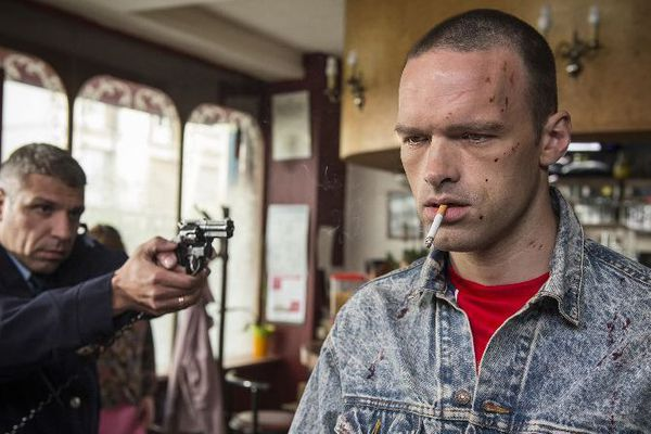 """""""Un Français"""" raconte l'itinéraire sur une trentaine d'années d'un skinhead, Marc Lopez (interprété par Alban Lenoir)"""