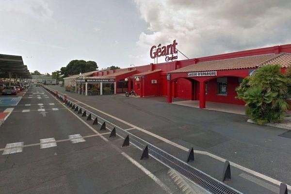 Béziers (Hérault) - l'hypermarché Géant Casino de Montimaran - archives