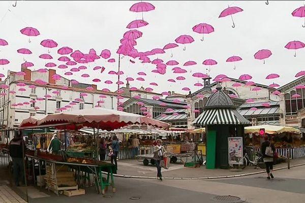 Les halles de la Rochelle et octobre rose