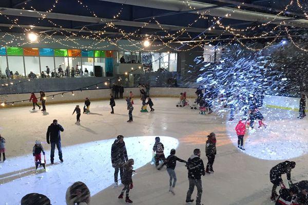 Presque un millier de visiteurs à la patinoire dimanche 5 janvier 2020.