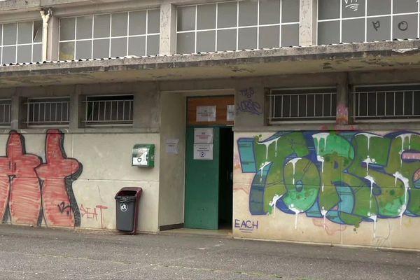 Saint-Céré (Lot) - le centre de vaccination a été cambriolé et vandalisé mais il reste ouvert - 18 août 2021.