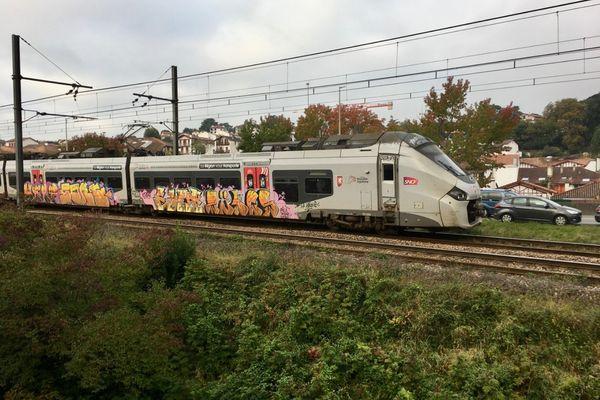 Quatre migrants ont été percutés par un train ce mardi, en début de matinée.