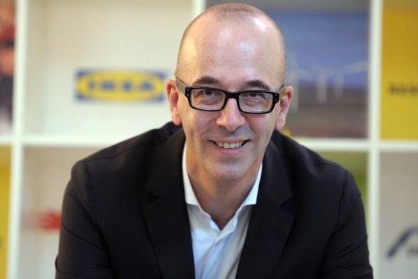 Le PDG d'Ikea France, le Belge Stefan Vanoverbeke, pose après une conférence de presse, le 10 octobre 2013, à Paris.