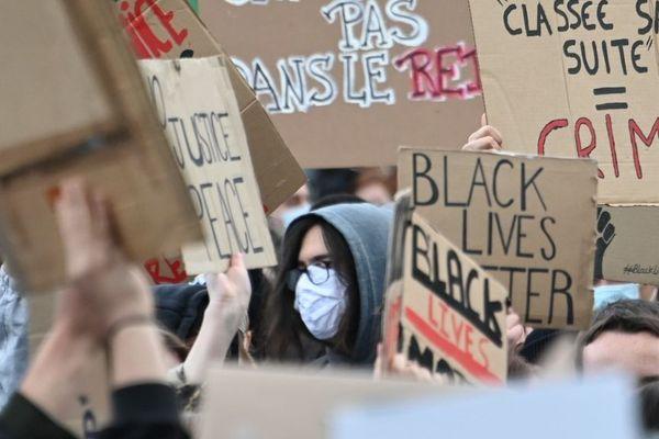 Manifestation du 4 juin à Lille contre le racisme et les violences policières.