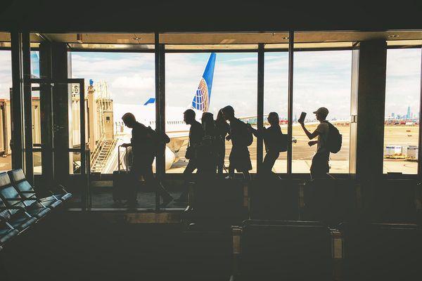 L'AST sera exigible pour tous les mineurs résidant en France, qu'ils voyagent à titre individuel ou dans le cadre d'un voyage scolaire ou d'une colonie de vacances.